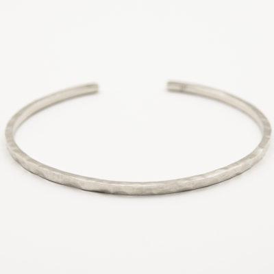 Silber-Armreif bzw. Armspange mit Hammerschlag 2mm Breite