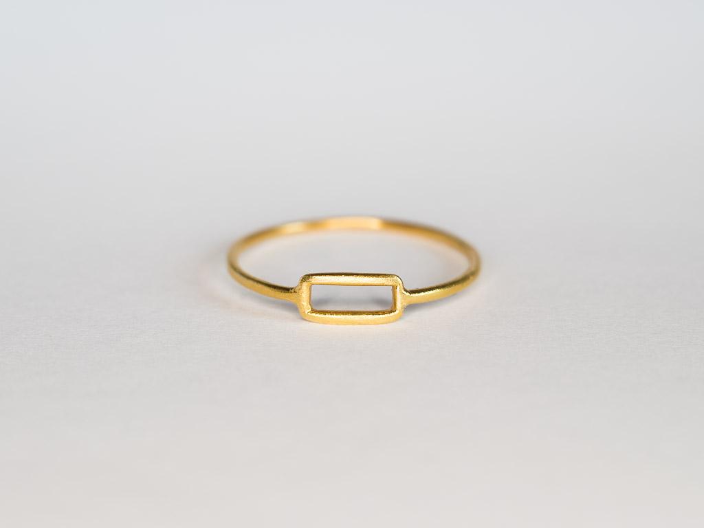 dünner-ring-rechteck-gold-14k-handwerk-goldschmied-goldcircus-M