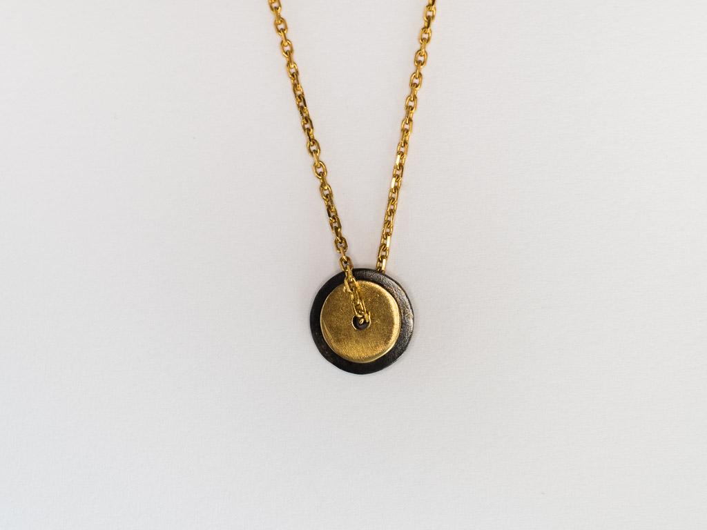 goldkette-runder-anhänger-14kt-gold-silber-hangefertigter-schmuck-goldschmied-goldcircus-M