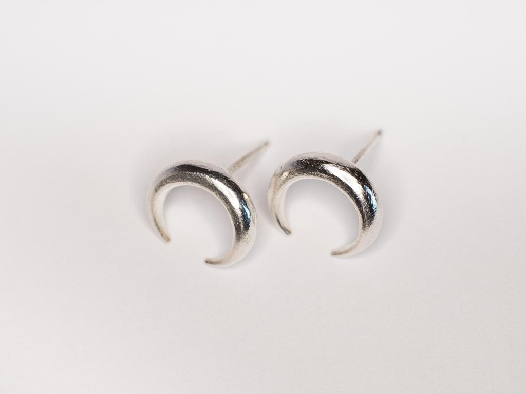 mond-ohrstecker-silber-handgemacht-schmuckdesign-goldcircus-M