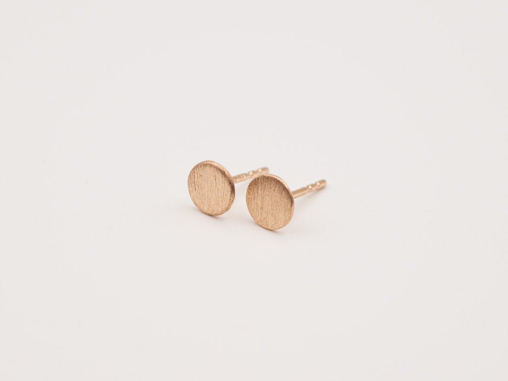 rosegold-ohrstecker-blättchen-personalisiert-handgemacht-goldschmied-goldcircus-M