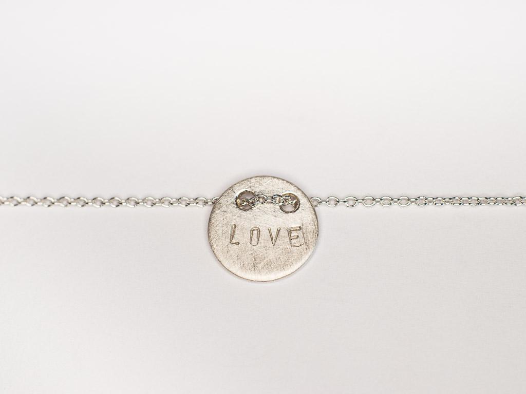 silber-love-armkette-blättchen-personalisierter-schmuck-goldcircus-M